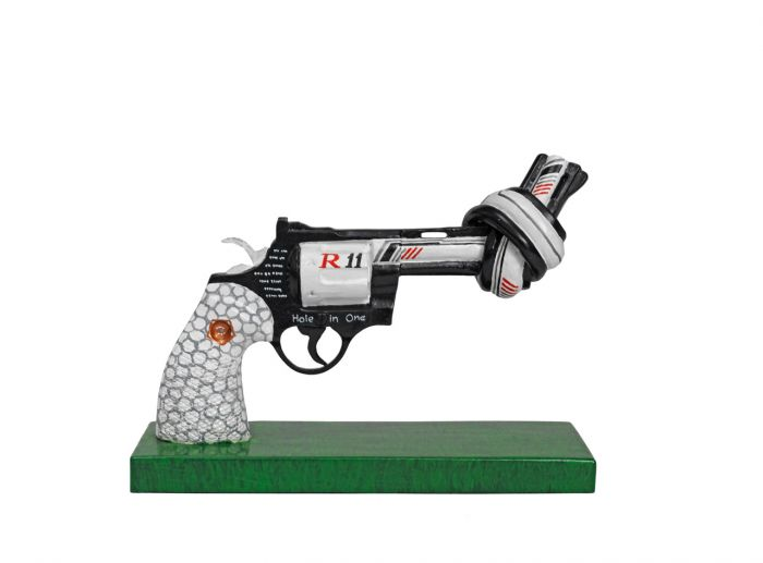 Drive for Peace  by Dustin Johnson (30 cm )