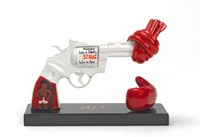 Punch for Peace by Muhammad Ali 40 cm